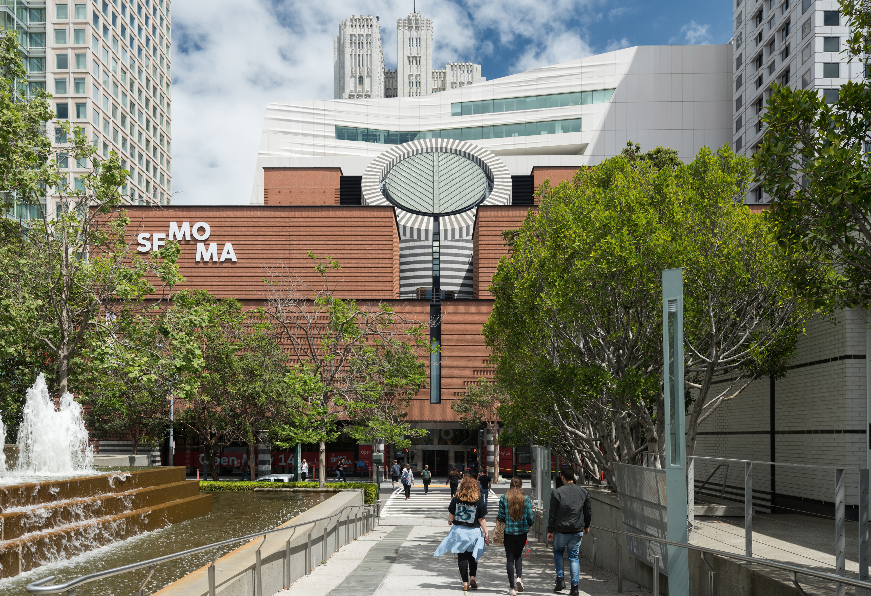 06. the new sfmoma, view from yerba buena gardens; photo jon mcneal, © snøhetta